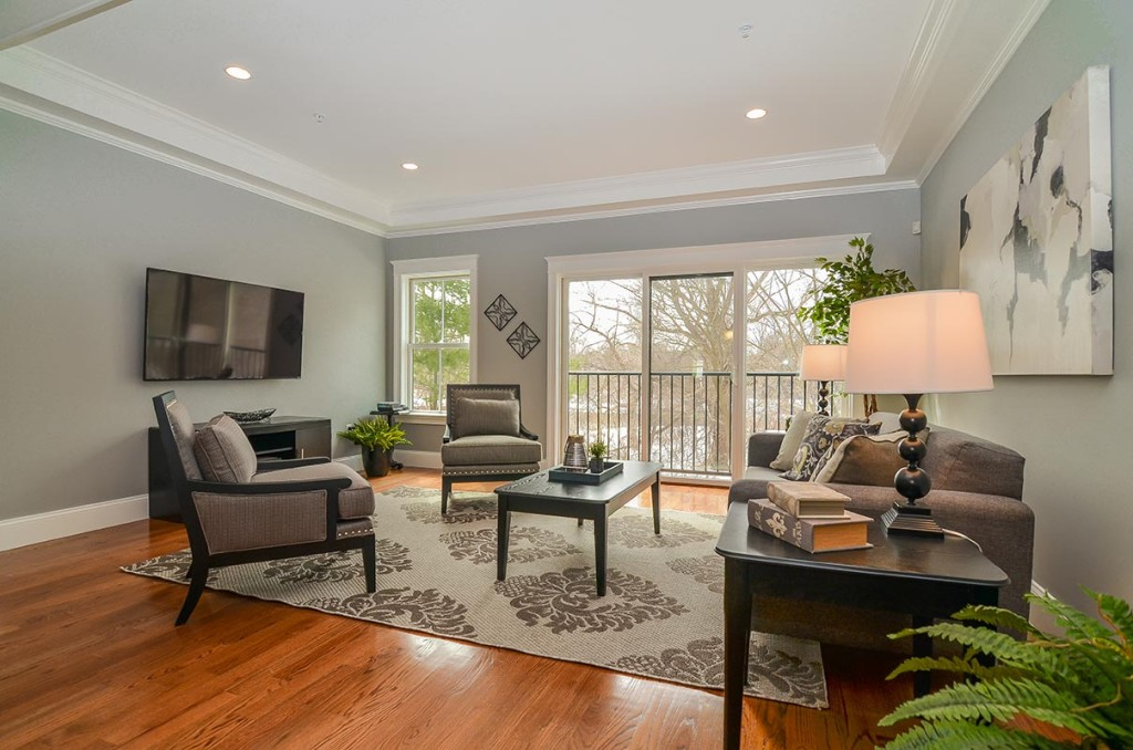 Large living room with plenty of space for entertaining