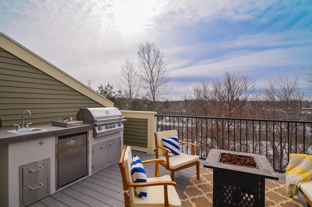 Enjoy your morning coffee, newspaper, good book, or a glass of wine after work with breathtaking views and privacy.